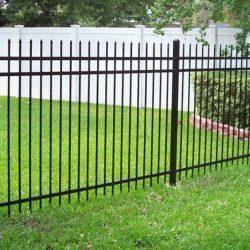 3. Металлический забор