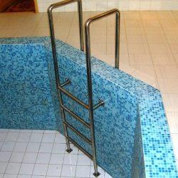 4. лестница в бассейн