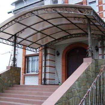 Навесы из поликарбоната над входом (2)